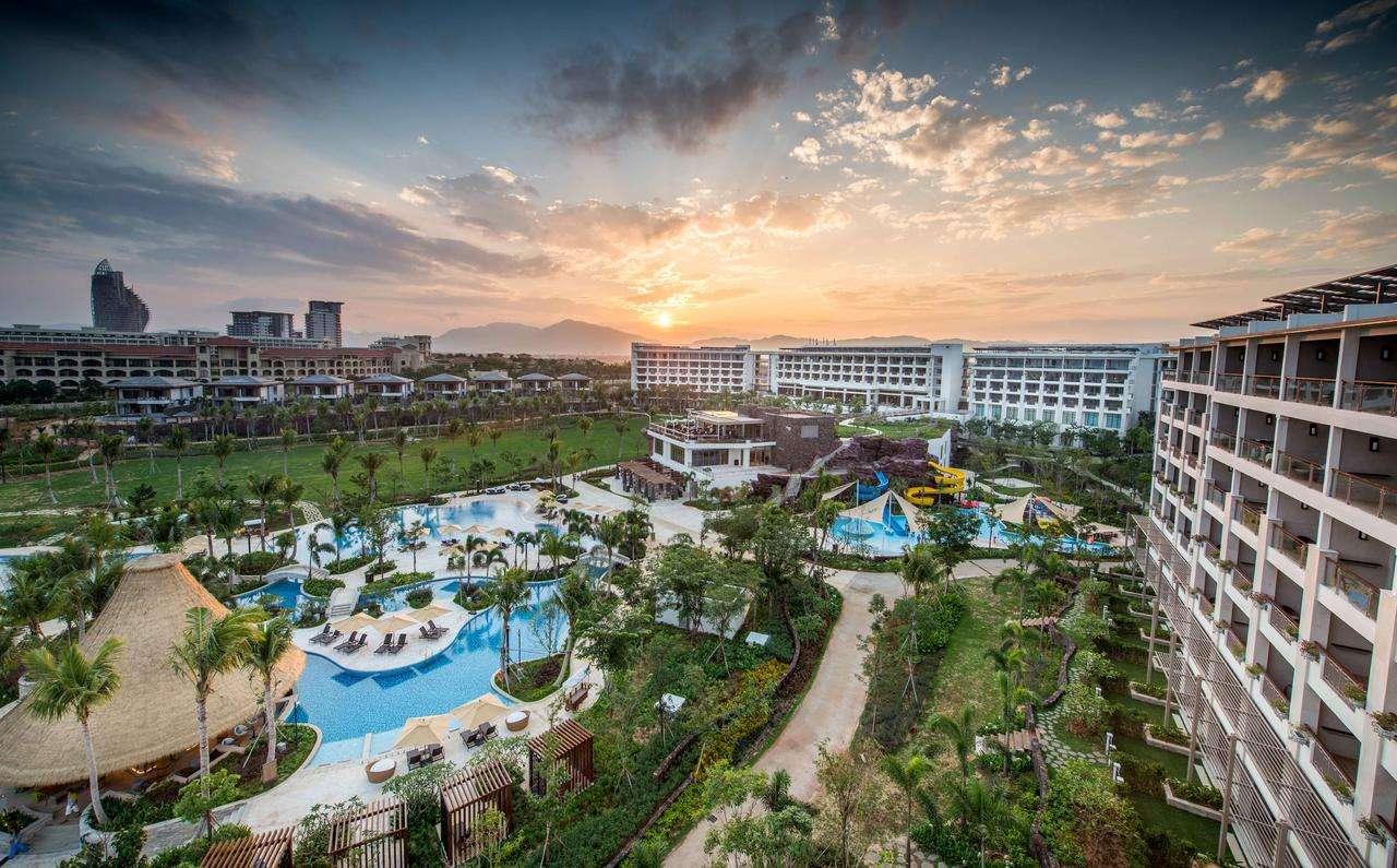 """三亚理文索菲特度假酒店位于中国热带海岛度假胜地 —— """"国家海岸"""""""